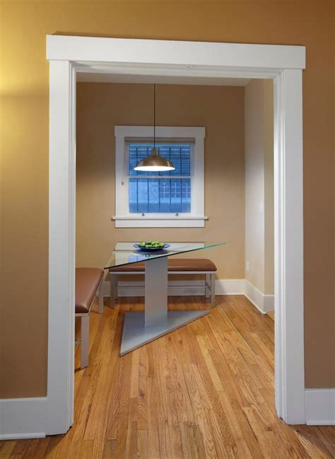 Dining Room Entry Casing Craftsman Trim Dining Room Contemporary With Breakfast