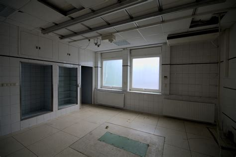 10 by 10 room x room krankenhaus k 246 nigsallee gallery district noir