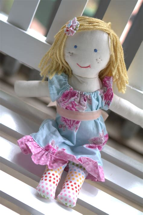 Handmade Doll Tutorial - quaint and rag doll tutorial