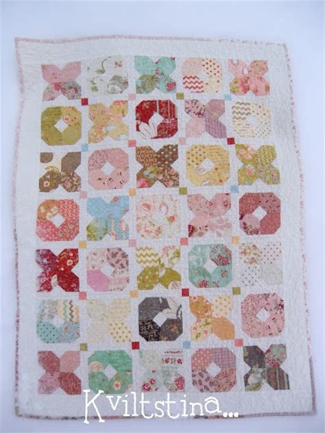 snowball quilt pattern variations 141 best images about snowball quilts on pinterest