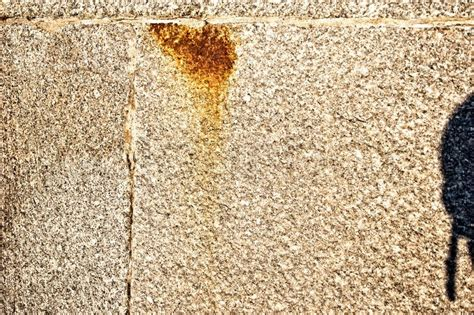 how to remove rust stains from
