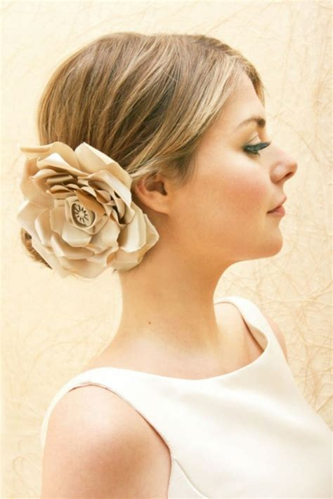Frisur Hochzeit Blumen by Brautfrisuren Mit Blumen Der Nat 252 Rliche Haarschmuck F 252 R