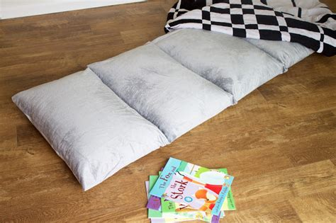 Diy Bed Pillow by Diy Comfy Pillow Bed Hello Beautiful