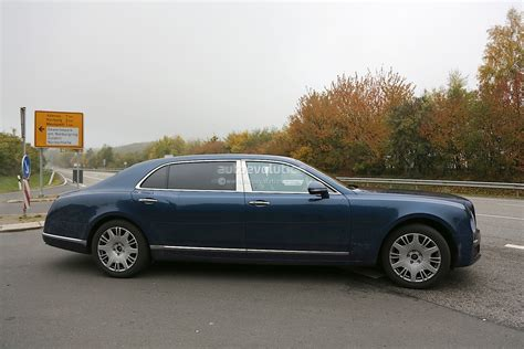 bentley mulsanne extended wheelbase 2017 bentley mulsanne spyshots reveal long wheelbase model