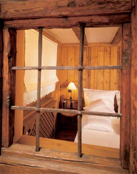mediterrane landhausmöbel wohnzimmer gestalten schwarz wei 223