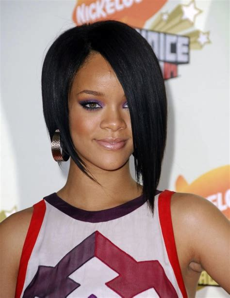 Would You Try An Asymmetrical Bob Like Rihanna And Kellie by 25 Most Superlative Medium Bob Hairstyles For Fabulous
