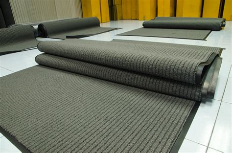 Cheap Rubber Mats by The Cost Of Cheap Business Floor Mats Clean Uniforms