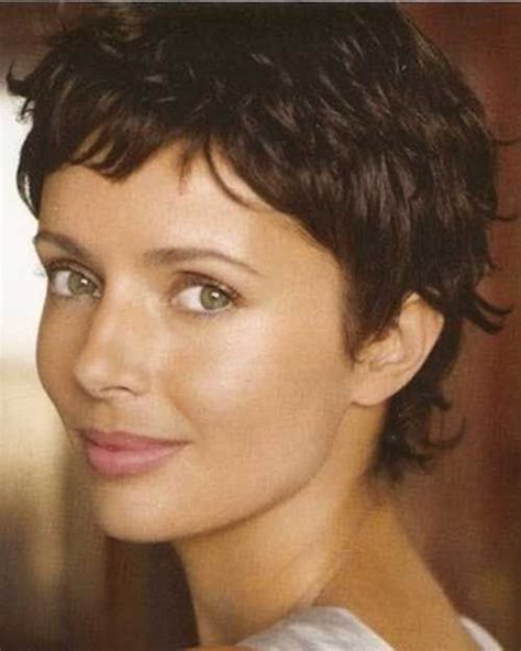 pixie curly hair pinterest nice new pixie cut for wavy hair hairstyles for curly