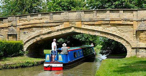boating holidays england canal boat hire england uk canal boat holidays and traditional boat hire on the