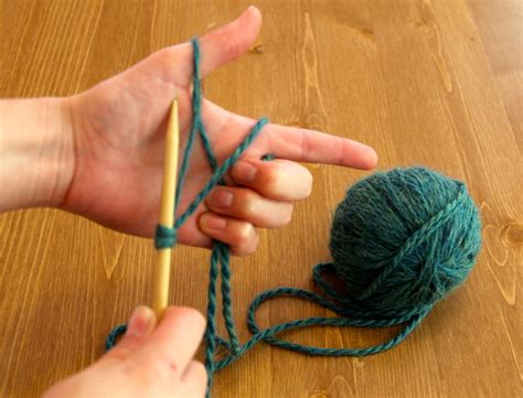 How To Cast On For Knitting Needles And How