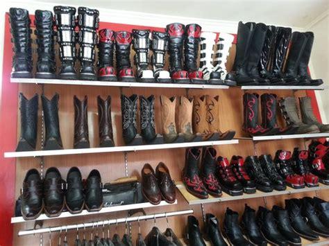 Sepatu Boots Cibaduyut pasar baru trade center bandung indonesia hours address shopping mall reviews tripadvisor