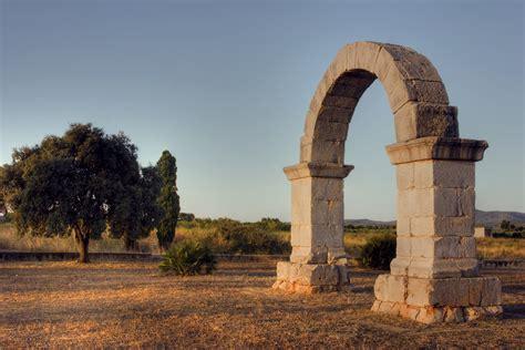 Arco L Wiki by Arco Romano Di Cabanes
