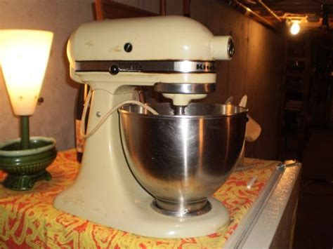 The Allee Willis Museum of Kitsch » Vintage KitchenAid Mixer