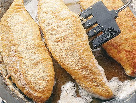 come cucinare il filetto di pesce filetti di pesce impanati sale pepe