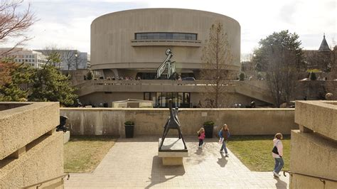 Hirshhorn Museum And Sculpture Garden by Plans For Smithsonian Museum May Burst Wlrn