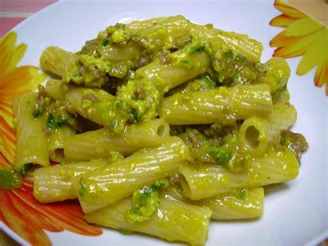 come cucinare carbonara tortiglioni alla carbonara con asparagi selvatici e