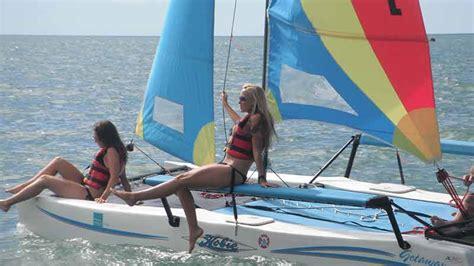 catamaran hire fraser island catamaran hire 1 hour self sailing hervey bay epic