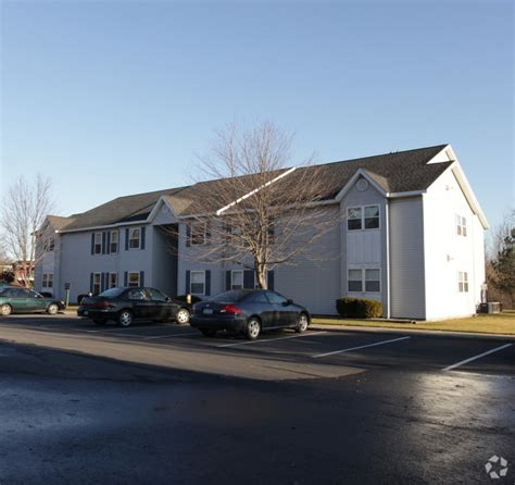 2 Bedroom Apartments For Rent In Albany Ny Rosewood Garden Apartments Rentals Watervliet Ny