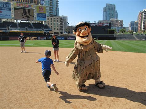 swinging friar cook son mascot pictures