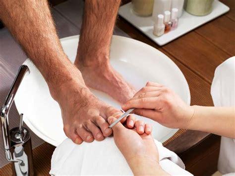 male pedicures nails