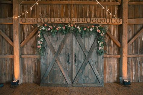 A Rustic Chic Wedding At White Star Farm In London Ohio Barn Doors Photography