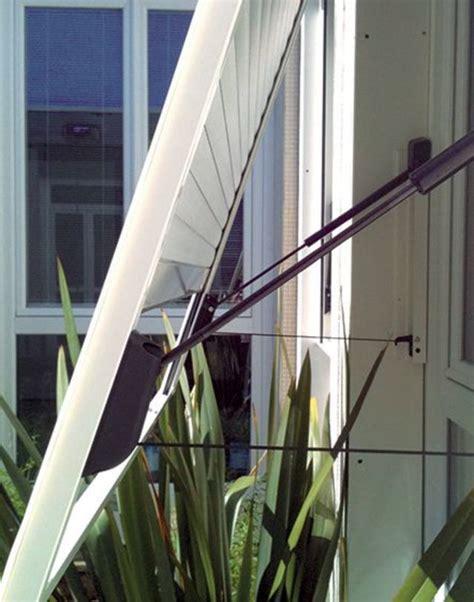 Volet Roulant Inclinable by Des Stores Contre Le Soleil C 244 T 233 Maison