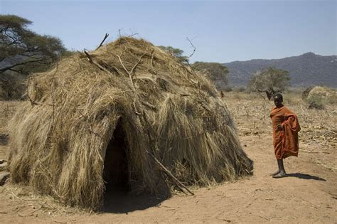 How To Build A Cabana gli hadza survival international