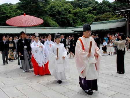 Wedding Ceremony In Japan by Traditional Wedding Ceremony In Shrines Become Choice Of
