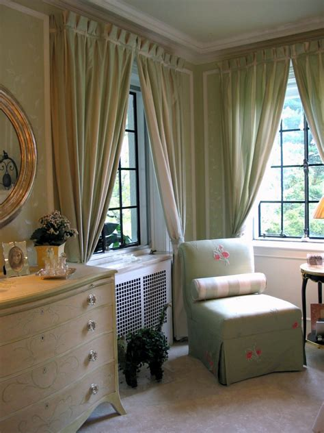 Bedroom Curtain Ideas For Small Rooms Small Room Design Window Treatments For Small Rooms