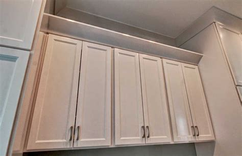 shaker cabinet crown molding custom 7 quot crown molding cabinetry overlay shaker