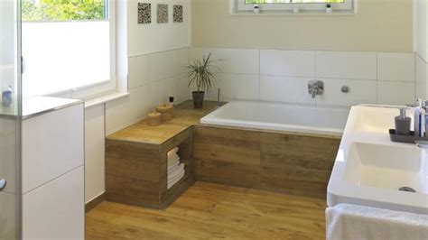 bagno con pavimento in legno il parquet in bagno s 236 o no la sta