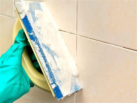 rifare fughe piastrelle come rinnovare le fughe delle piastrelle sporcate dagli anni