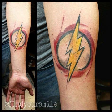 logo tattoo flash 25 best ideas about comic tattoo on pinterest dc tattoo