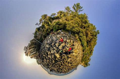 photoshop cs5 tutorial tiny planet effect 159 best images about tiny planets on pinterest around