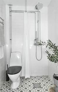 Supérieur Idee Carrelage Petite Salle De Bain #4: idee-salle-de-bain-petite-surface-en-blanc-plante-verte-d-interieur-pour-decorer-la-petite-salle-de-bain.jpg