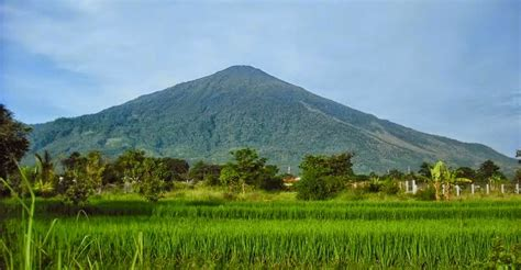 pengertian bentuk ciri gunung api strato stratovolcano