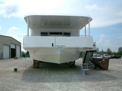 what is a house boat houseboats hull options houseboat options hull options