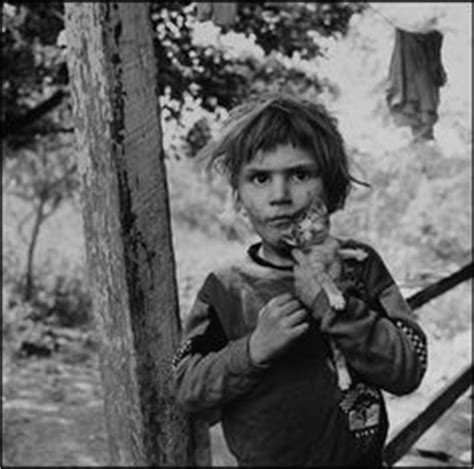 mary ellen mark tiny on a bench during streetwise