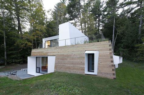 Bois B 233 Ton Et Modernit 233 Pour Cette Maison Contemporaine Architectural Designs Usa