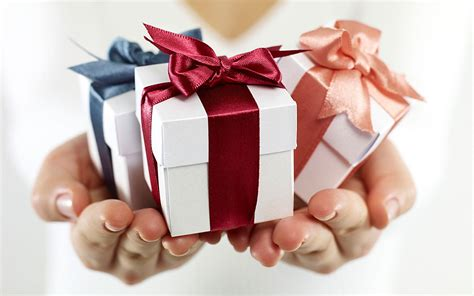 gift for 5 tips to buy gifts for different occasions general news