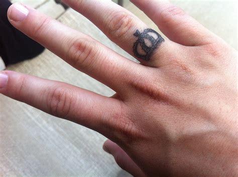 finger images designs finger tattoos design images style project 4