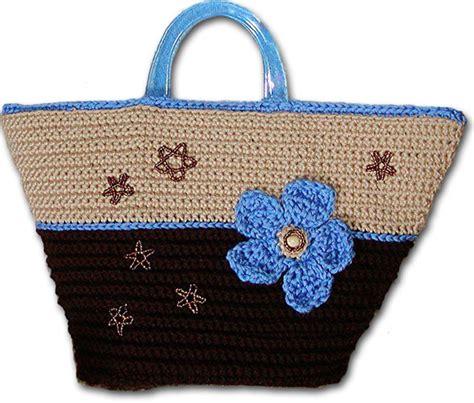 Tas Handbags B Berry Y6169 flower market purse crochet pattern from caron yarn