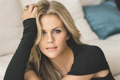 brooklyn decker the hottest girl on earth love that red 10 hottest wags in sports history wonderslist