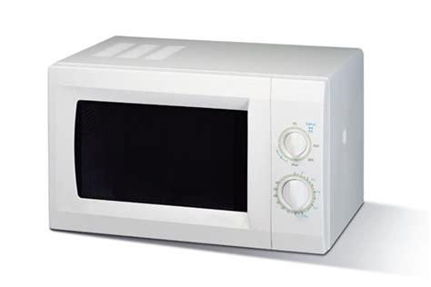 Wohin Mit Der Mikrowelle In Der Küche by Elektroger 228 Te Und Elektroschrott Richtig Entsorgen Wohin