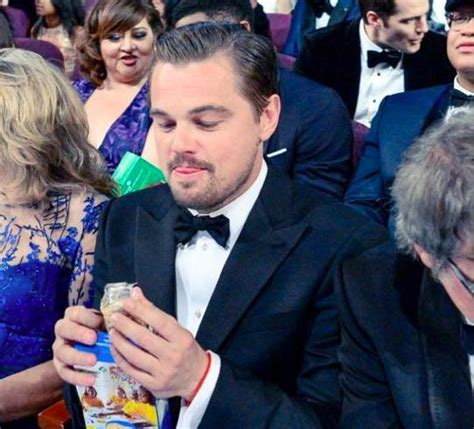 leonardo dicaprio girl scout meme morning buzz leo eating cookies at the oscars is your new