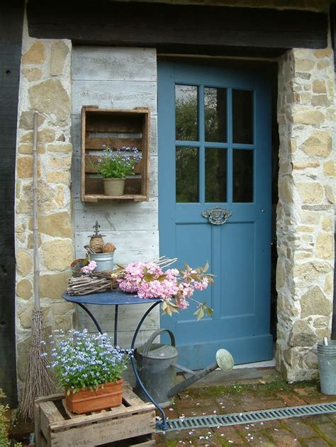 Cottage Front Door 17 Best Ideas About Cottage Door On Cottage Front Doors Cottage Lighting And