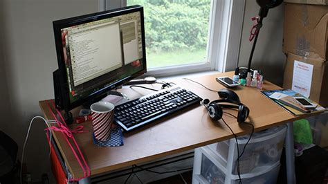 Left Handed Desk Setup Ars Staffers Exposed Our Home Office Setups Ars Technica