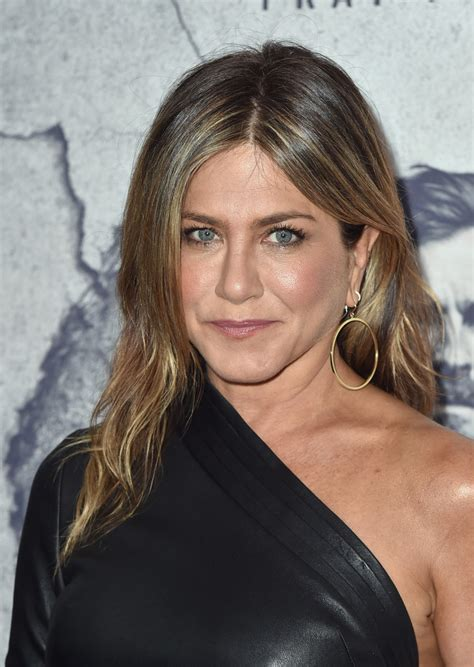 Jen Aniston Hairstyles by Aniston Center Part Newest Looks Stylebistro