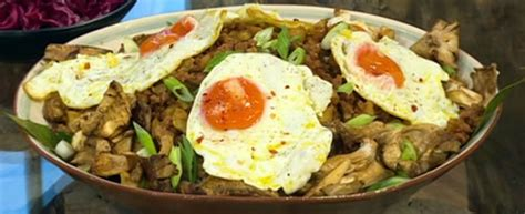 Berry Chicken Recipes Saturday Kitchen by Pork And Potato Hash With Oyster Mushrooms Saturday