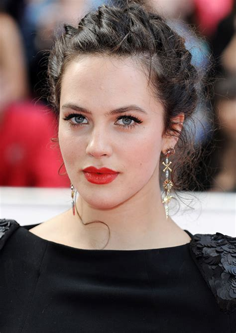 Homes Decor by Downton Abbey S Jessica Brown Findlay Reveals Eating